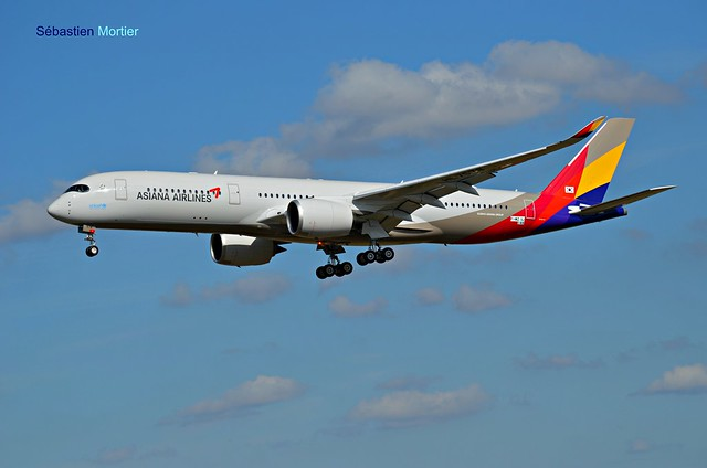 350.941 ASIANA AIRLINES F-WZNJ 144 TO HL7578 FIRST FLIGHT 05 09 17 TLS