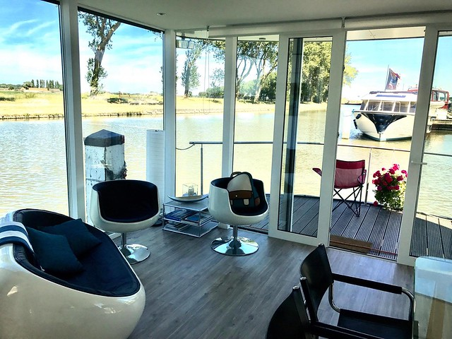 There are great number of holiday accommodations, such as houseboats, that have unique value to vacationers, but these are not glamping