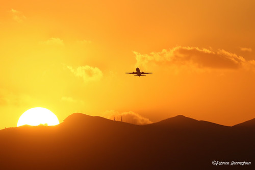 Boeing B737 taking off during sunset | by Planes , ships and trains!