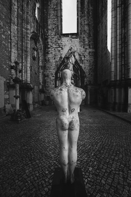 F9682 ~ The naked man