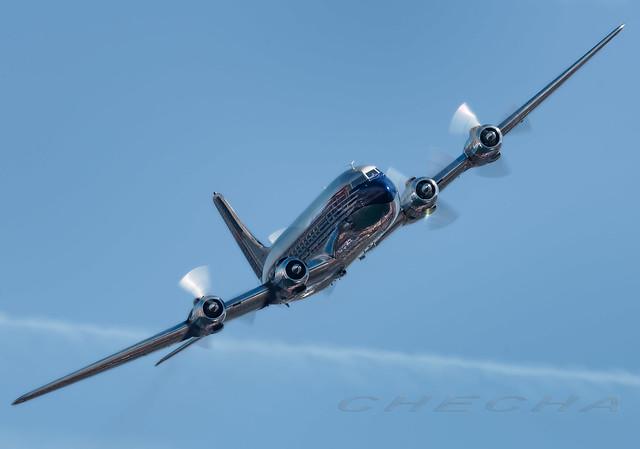 DC-6 RED-BULL