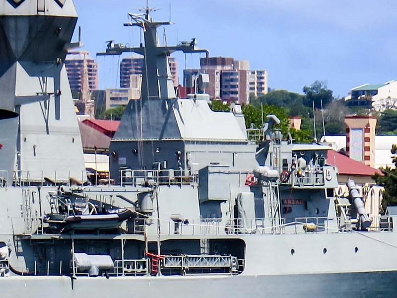 HMAS Anzac (FFH 150) 5
