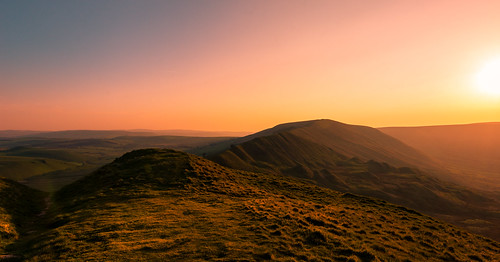 mamtor nikon d7200 tokina 1120mm 1116mmf8 1120mmf28 1120mmproatx 1120mmproatx11 116proatx orange light sunset hill national nature nationalpark naturalphotography naturalworld natural naturephotography countryside color colour scenicsnotjustlandscapes landscapes derbyshire peakdistict