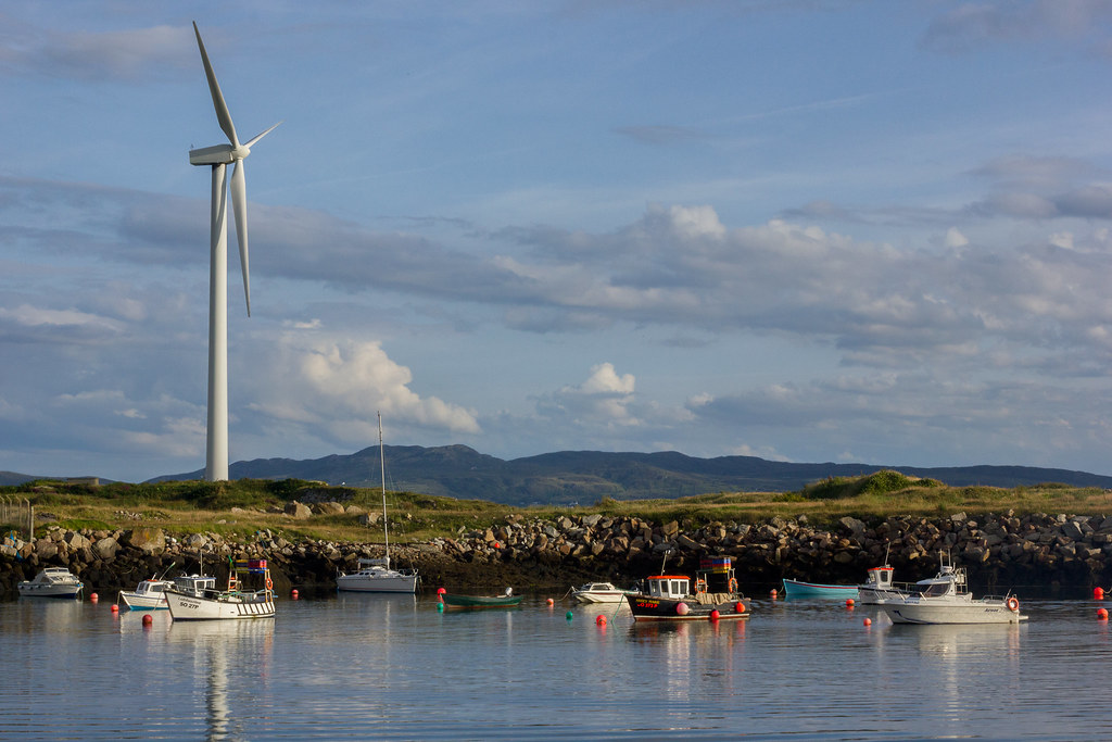Burtonport fishing village | Wind turbine in Burtonport, Cou… | Flickr