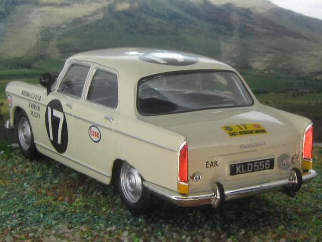 Peugeot_404_Kenya_1968_02