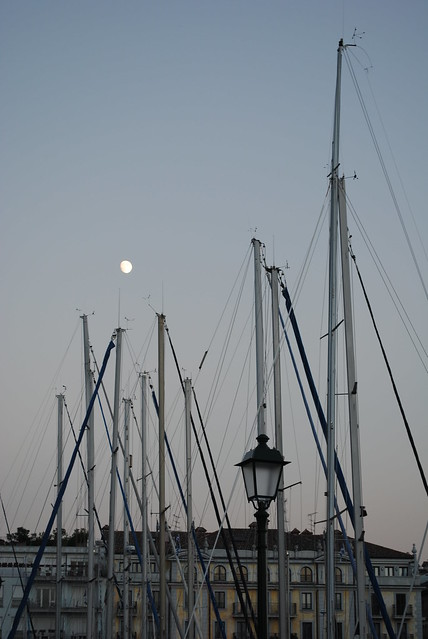 La luna al porticciolo di Grado