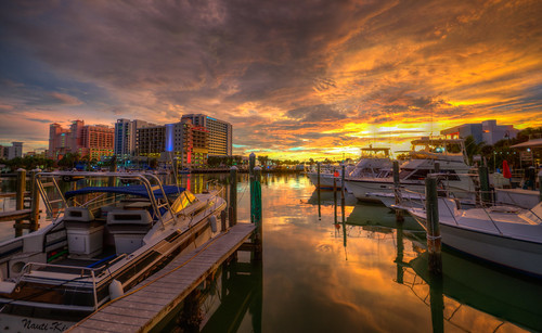 clearwater beach florida sunset water sun sky cloud beautiful hdr clewarwaterbeach clearwaterflorida harbor boat boating marina clearwatersunset clearwaterbeachfl