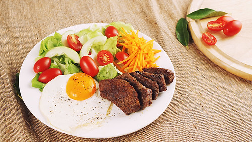 Low carb Grilled Beef Salad | by afood.vn