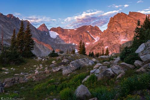 indianpeaks navajopeak apachepeak shoshonipeak continentaldivide sunrise alpenglow firstlight