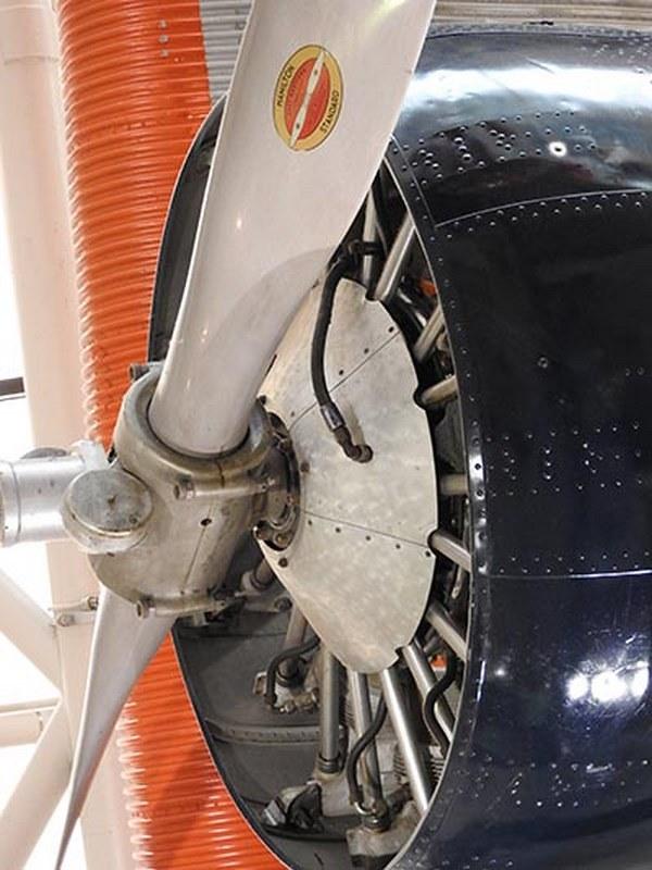 Ford AT-5 Tri-motor 3