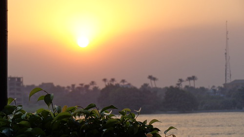 maadi cairo egypt africa travel travelling sun sunset sunlight sky nile sunsetonthenile maadiisland island water rivers river nileriver nilesunset thenileriver