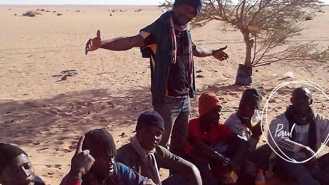 """In Niger musste die Entscheidung getroffen werden, ob die Reise über Libyen oder Algerien weitergehen sollte. Der """"Begleiter"""" entschied sich für Algerien, aus Angst vor bewaffneten libyschen Milizen."""