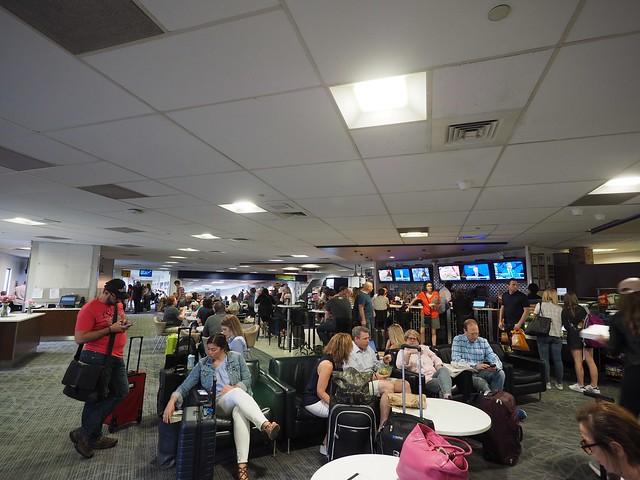 金, 2017-06-23 13:25 - Marine Air Terminal, La Guardia