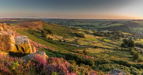 curbaredge curbargap derbyshire peakdistrict darkpeak sunset heather evening moorland calver riverderwent derwentvalley