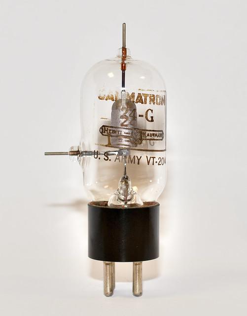 Vacuum tube VT-204