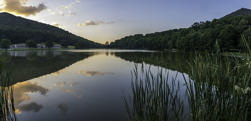 landscape lake landscapephotography blueridgeparkway abbottlake sunrise summer reflection reflections peace peaceful peaksofotter sharptop flattop jaegemt1 mariajaegerphotography