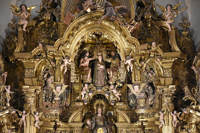 Cadaqués. Parish Church. Coronation of the Virgin in the altarpiece dedicated to the Virgin Mary. Carved 1723-1729. Gilded 1770-1788. Joan Torras and Pau Costa, sculptors