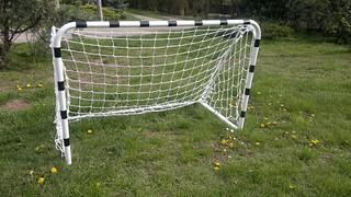 Kispályás focikapu!