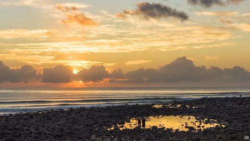 d810 sunrise rocks tidalpool reflections cloud sun burleigh dawn