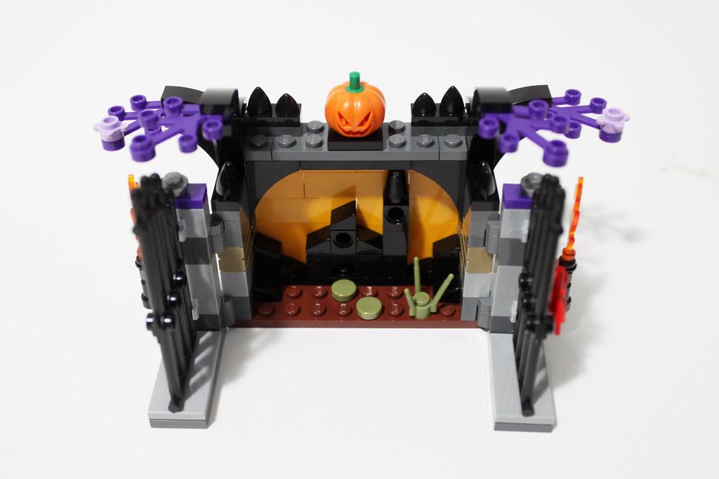 40260 Halloween Haunt LEGO Seasonal