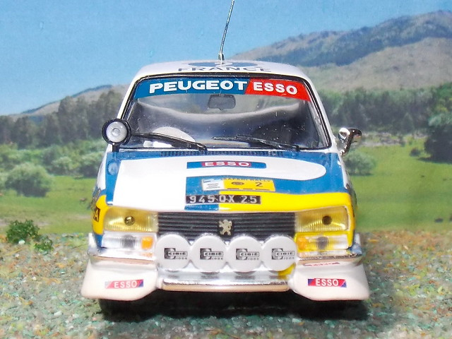Peugeot_504_Kenya_1976_05