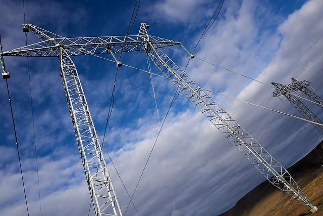 powerlines_L2100420