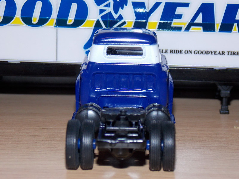 Chevrolet Spartan LCF – 1958 – GoodYear