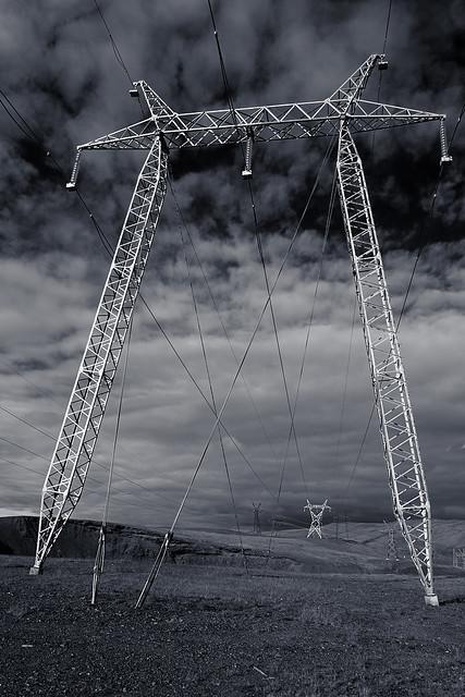 powerlines_L2100416