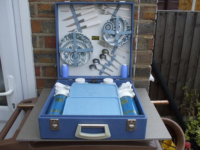 Bright Blue Brexton Picnic Set ..Superb Condition 100% Complete