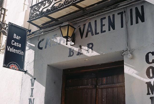 Bar Casa Valentin - Yashica Electro 35 GSN