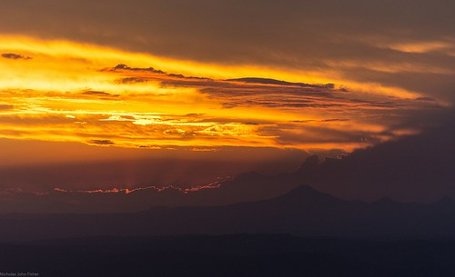 sunsetclouds sunset sundown horizon silhouettes mountain flinderspeak sequeensland queensland australia burrumpa