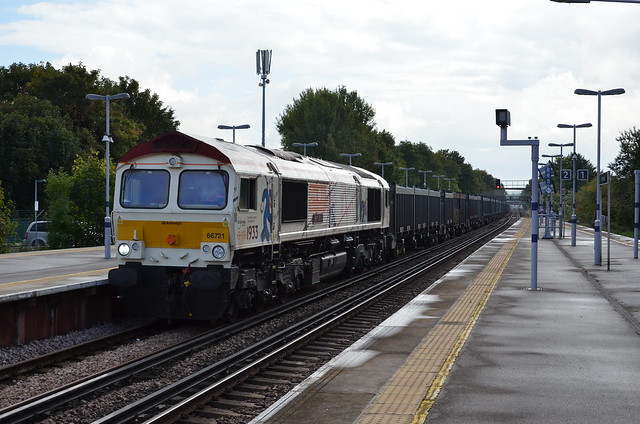 LUL map 66721 works 4Y19 Mountfield- Southampton Up slow at Petts Wood.