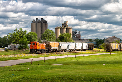 sind southern indiana railroad train trains locomotive rail road alco s2 diesel speed freight cement spring louisville