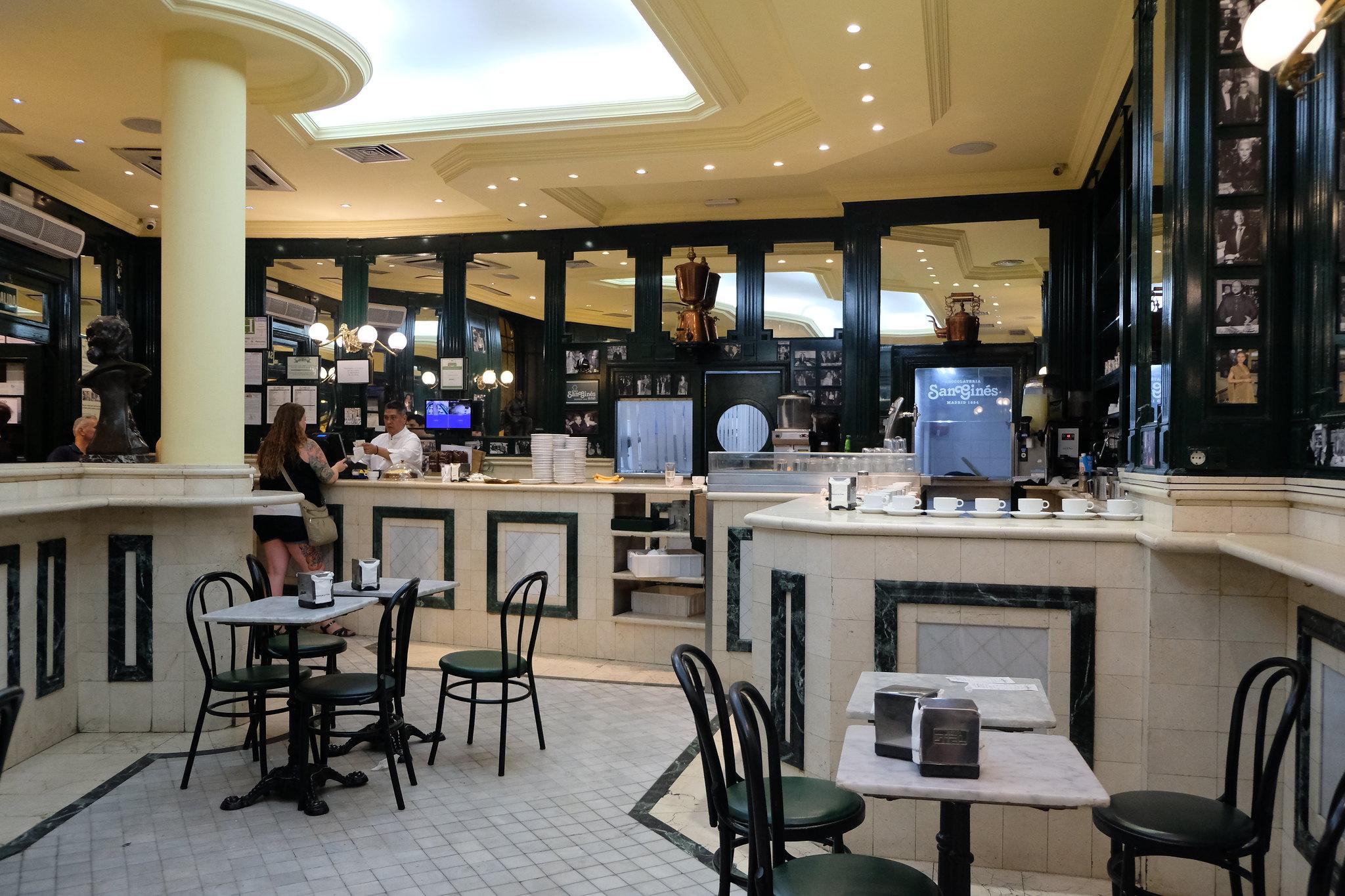 Chocolateria san Gines | Tapas in Madrid