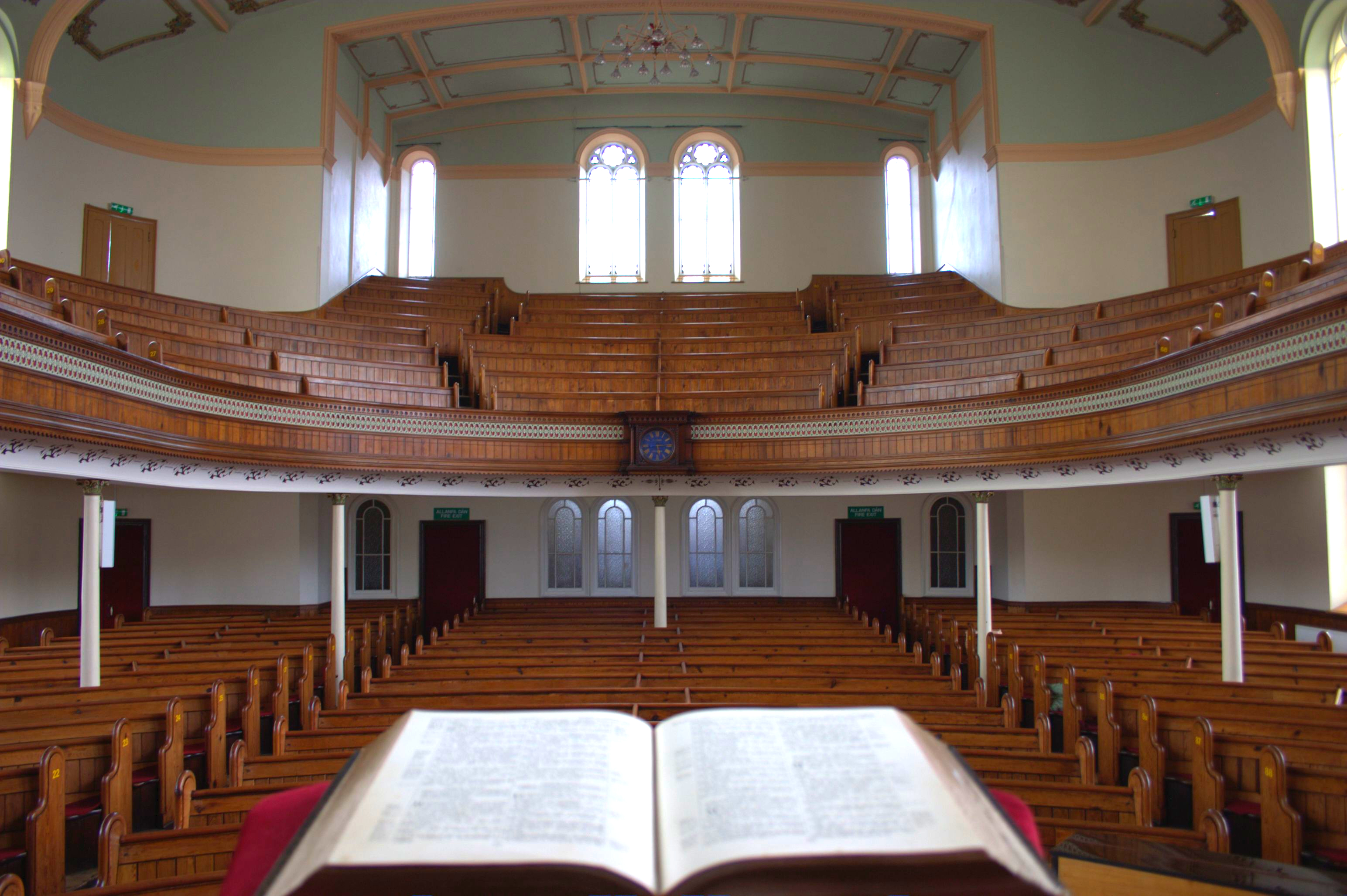 MORRISTON Tabernacle Chapel interior