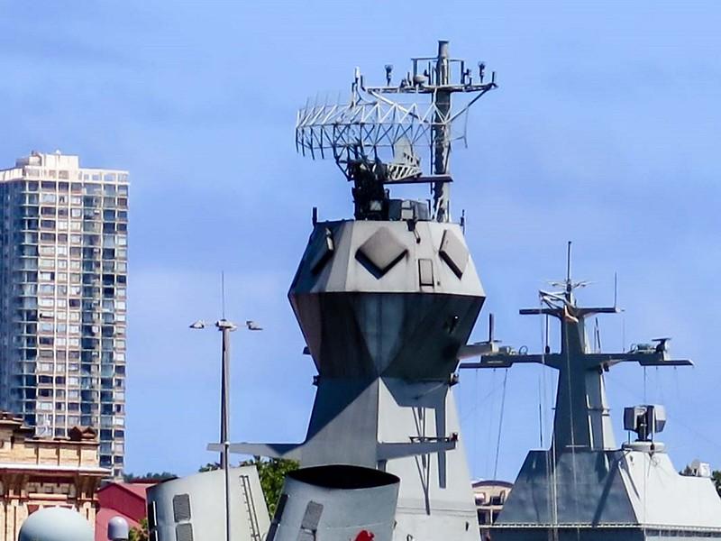 HMAS Anzac (FFH 150) 9