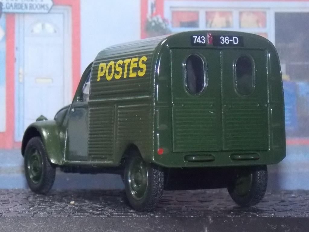 Postes - Norev - Citroën 2CV