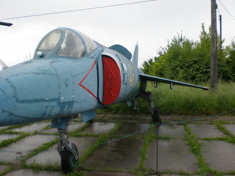 Yak-38 4