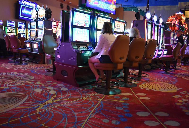 Популярное заведение с большим стажем - казино 888