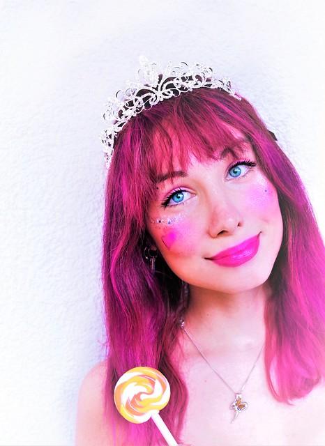 Princess Pralina by Sarina Rose