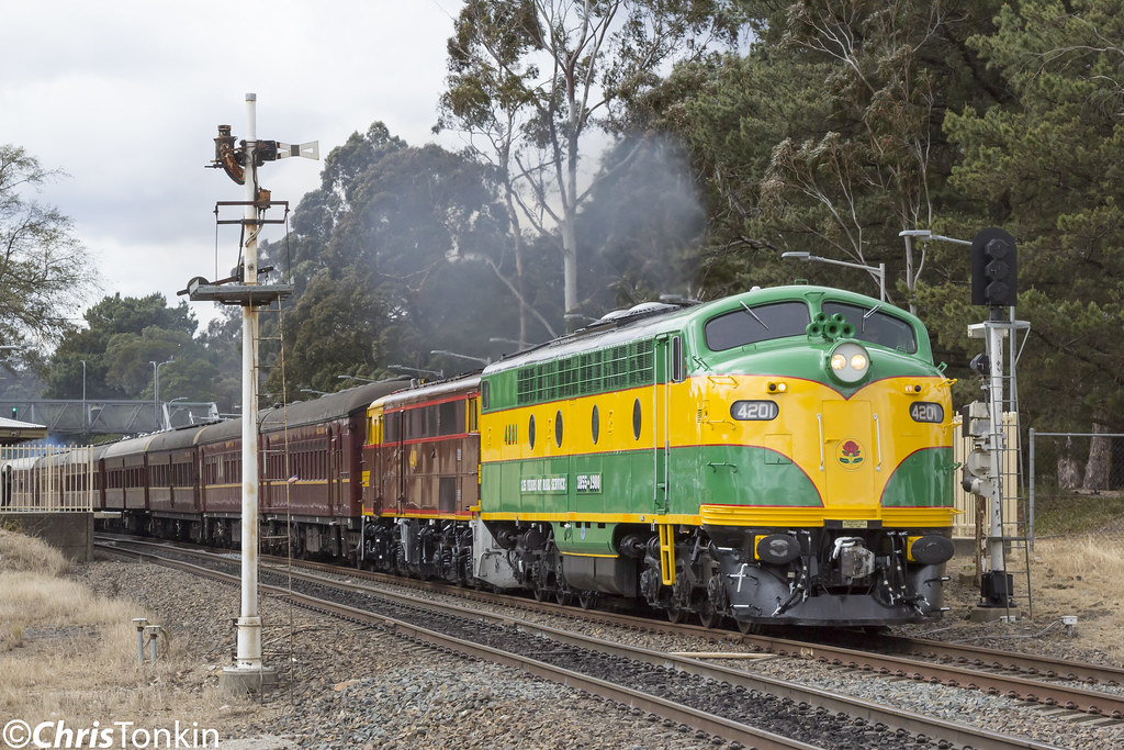 6L61 4201-4490 Mittagong 16-09-17 by Chris Tonkin