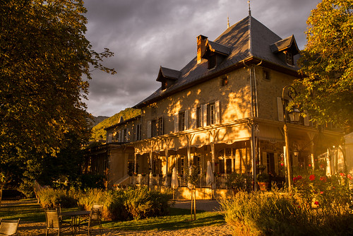 leica m 240 summicron 28 europe france challes les eaux chateau hotel comtes de savoy french alps chambery travel architecture mountains village countryside golden light sunset