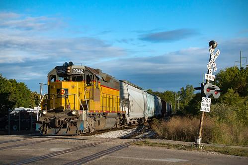mqt2042 mqt emdgp382 emd gp382 mmrr gr gre grandrapidseastern midmichiganrailroad marquetterail grandrapids mi train grandrapidsmi trains railroad railway railfan railfanning railroadcrossing