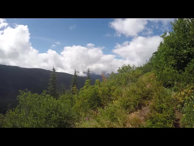 2875 Video panorama of clouds forming above Middle Ridge from the Miners Ridge Trail