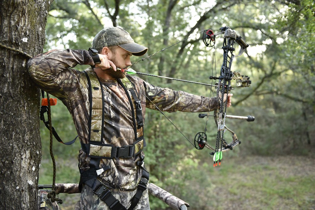 Bowhunting | FWC photo by Tim Donovan | Florida Fish and