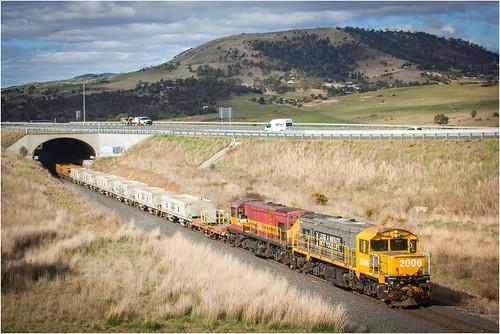 australia tasmania tasrail brighton train ballasttrain dq dqclass 2006 dq2006 emd bridge ef35350mm13556lusm canoneos550d scene diesellocomotive gm trainsintasmania stevebromley