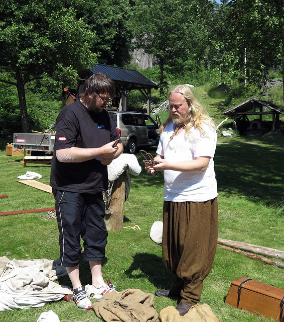 Jan Søren and TB shall set up a tent