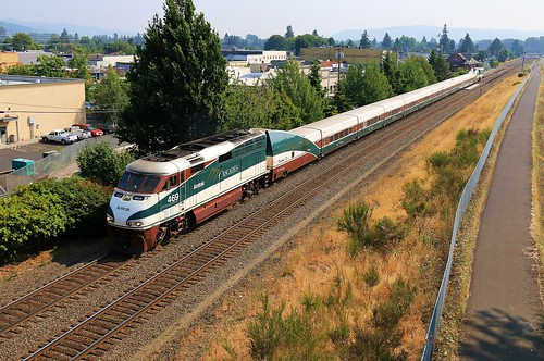 amtrak amtk cascades burlingtonnorthernsantafe bnsf railway northernpacific np railroad seattlesubdivision kelso washington emd f59phi 469