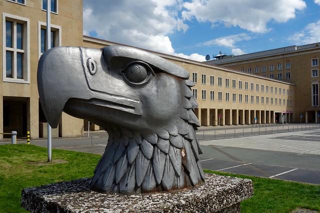 Adelaar / Tempelhof / Berlijn (in explore)