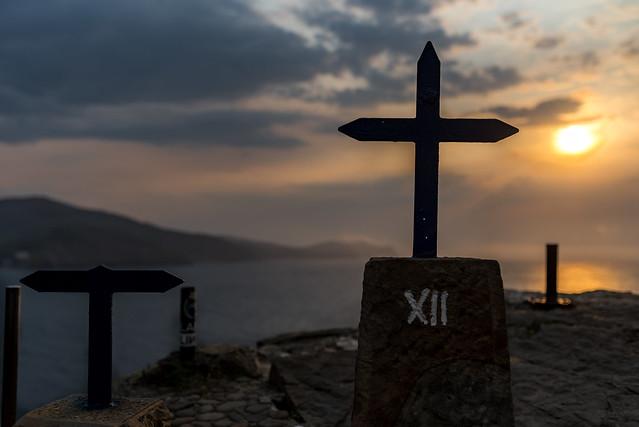 Cruces en san juan de gaztelugatxe